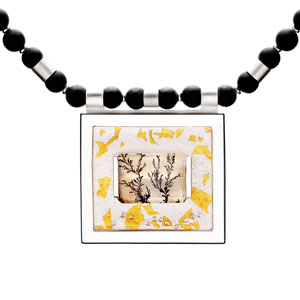 Dendrite-quarts-with-onyx-beads-set-with-diamonds